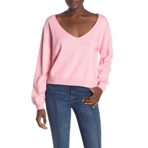 NWT Nordstrom Lumiere Wide V-neck Pink Sweater